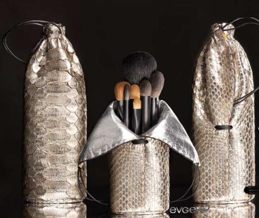evgeny cosmetics voyage au bout du luxe grains de beaut. Black Bedroom Furniture Sets. Home Design Ideas